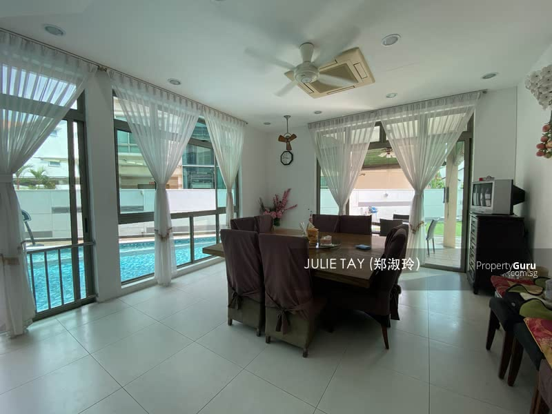 BEST VALUE BUY in East Coast‼️Super Bungalow for large family. Comes with Pool, Jacuzzi & Lift #127947202