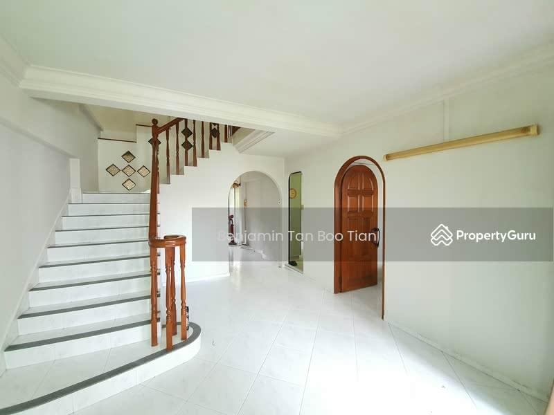 454 Hougang Avenue 10 #127995164