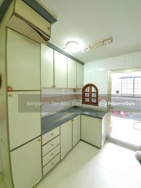 454 Hougang Avenue 10 #127995182