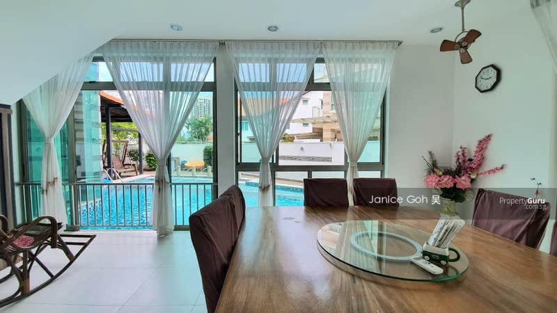 For Sale - South facing 3. 5 storey Bungalow over 6800sf Lift&Pool