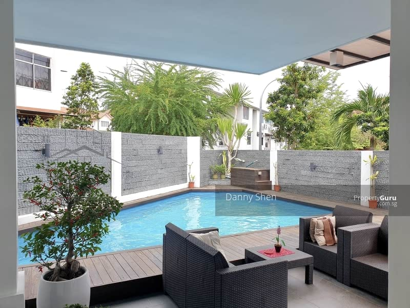 Freehold 3.5 Sty Renovated Semi-D w Pool @ Jln Waringin #128356844