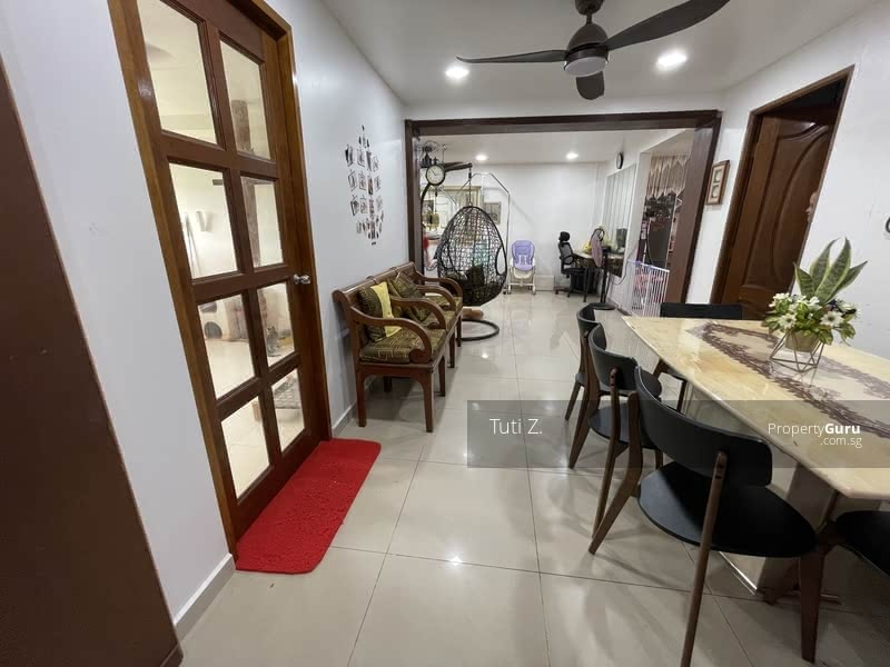 4 physical rooms with proper dining area + storeroom + service balcony