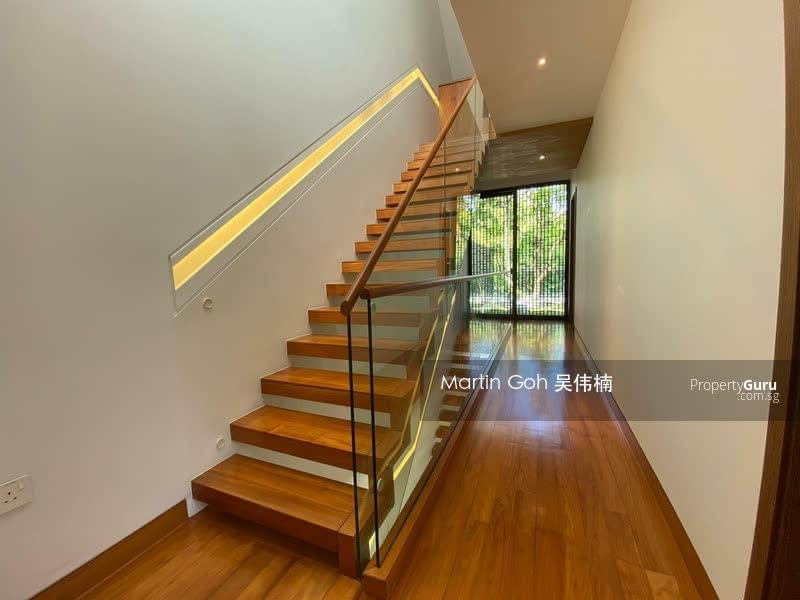 Corner Terrace @ Henry Park / Grove Drive / Mount Sinai / Holland /  area #128301146