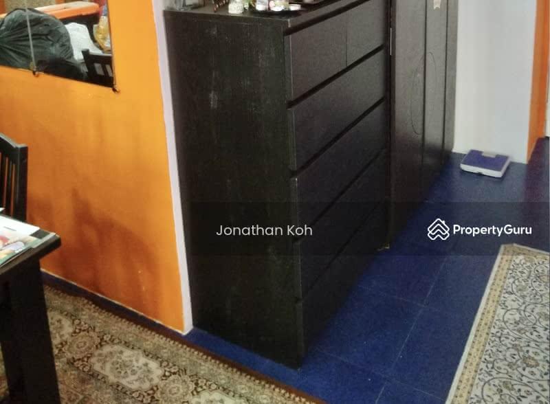 662B Jurong West Street 64 #128350332