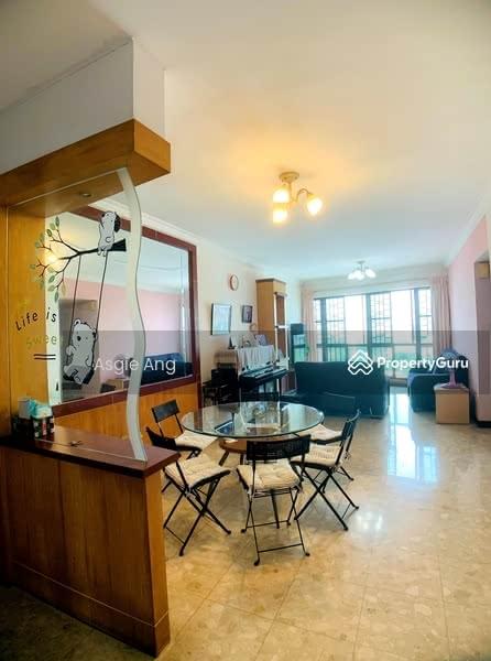Spacious Dining & Living Hall