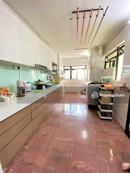 302 Hougang Avenue 5 #128438906
