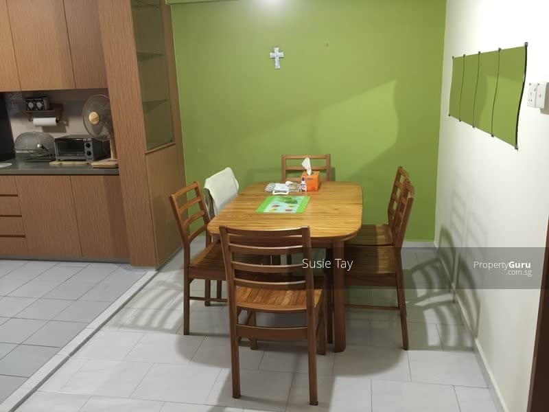 Spacious dining area great for family bonding