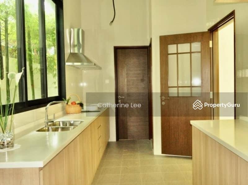 Resort-style Living within 1km to St Nicolas Girls #128534308
