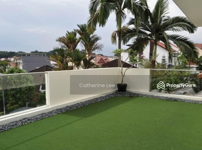 Resort-style Living within 1km to St Nicolas Girls #128534312
