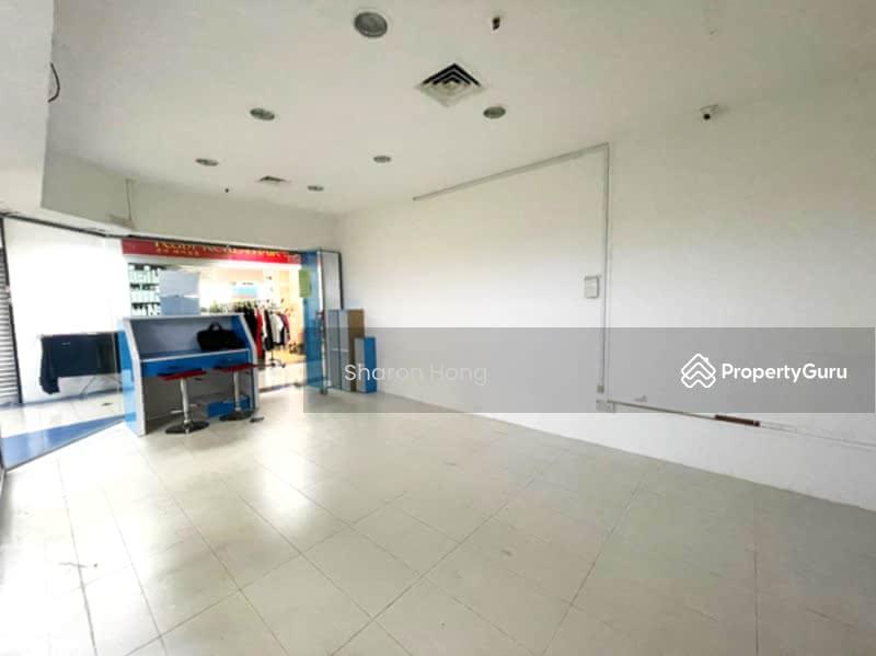 Bukit Timah Shopping Centre #128576808
