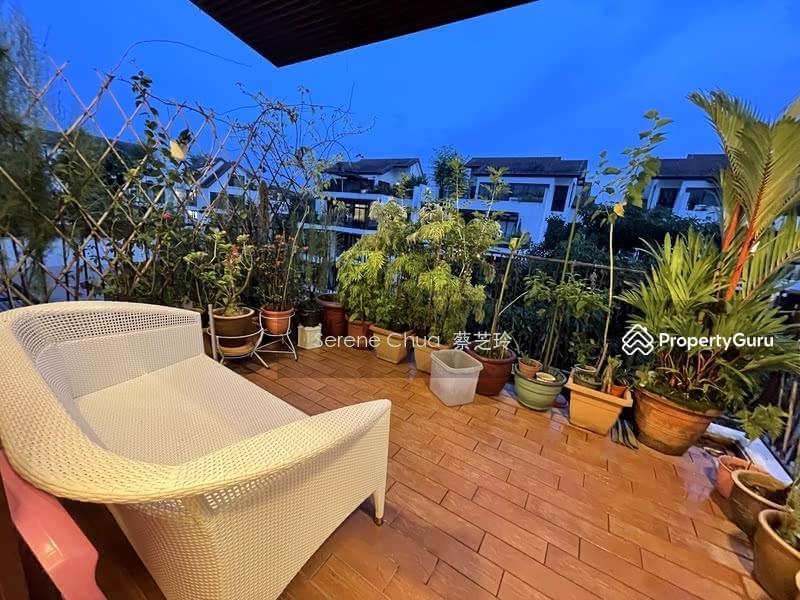Varsity Park Condominium #128561690