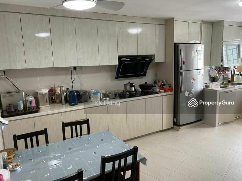 637 Ang Mo Kio Avenue 6 #129137582