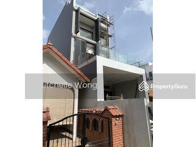 For Sale - Brand New Freehold TOP Inter terrace with Lift at Jalan Kembangan. Walk to Kembangan MRT