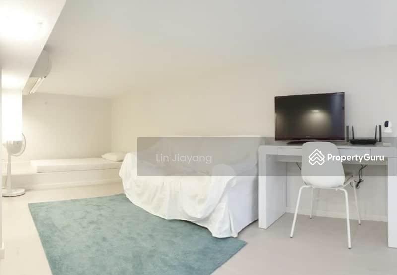 38 I Suites #128593732