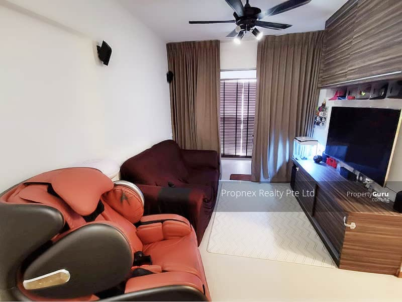 520C Tampines Central 8 #128602876