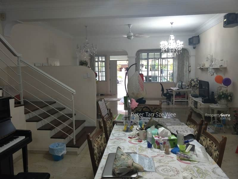 Serangoon Landed House Common Room #128634248