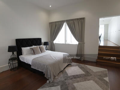 For Sale - Cairnhill - Elevated 5+2 / 3 Carparks Stylish City House