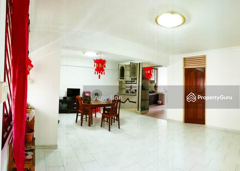 718 Jurong West Street 71 #128677660