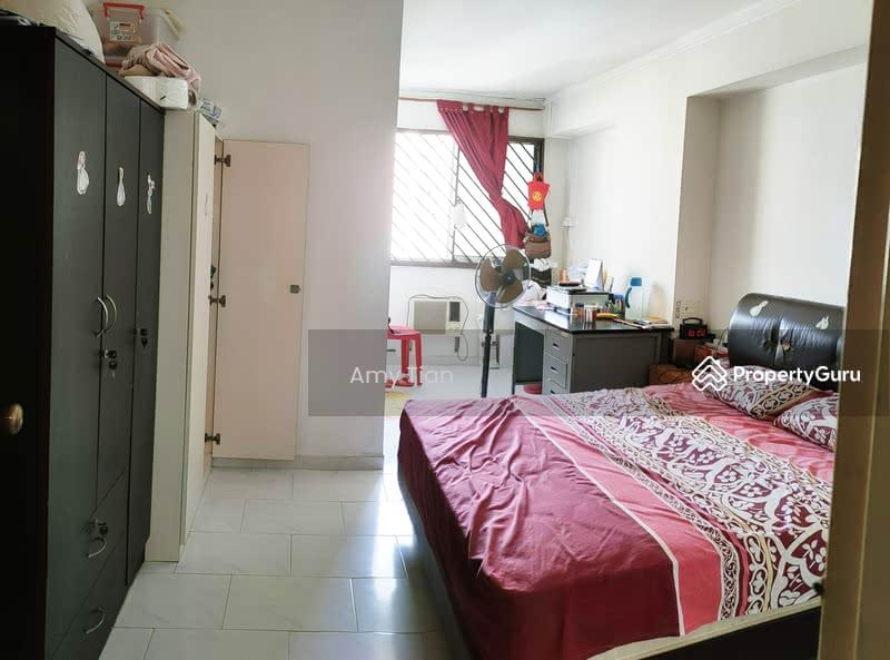718 Jurong West Street 71 #128677670