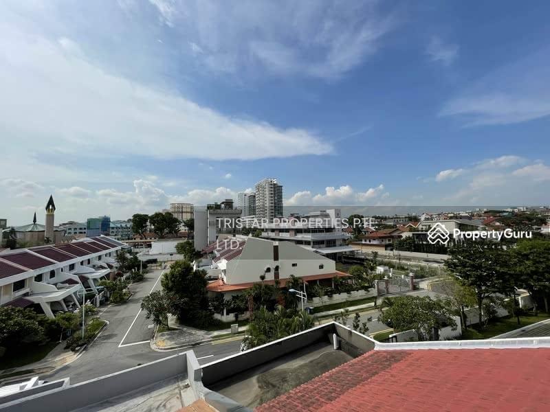 Rebuilt 3.5 Storey Freehold Inter-Terrace @ Telok Kurau #128680984