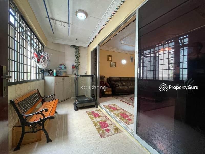 Blk 331 Jurong East Ave 1, balcony
