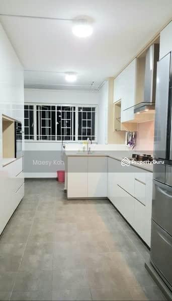 205 Jurong East Street 21 #128727370