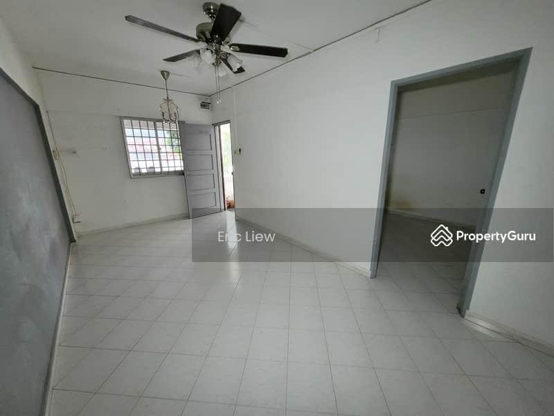 250 Hougang Avenue 3 #128745364