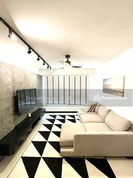 Spacious and Squarish Living Hall