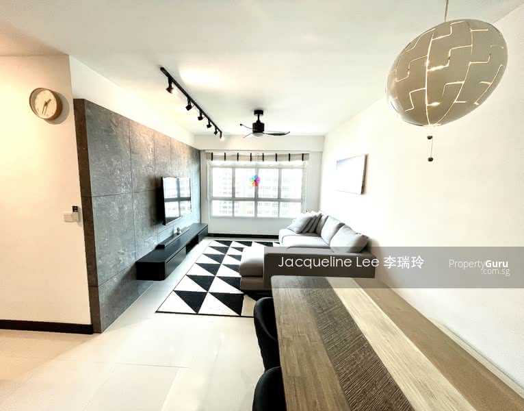 Fully Renovated Unit with I.D works