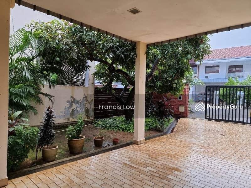Huge Corner Terrace at Jln Tamban #128763504