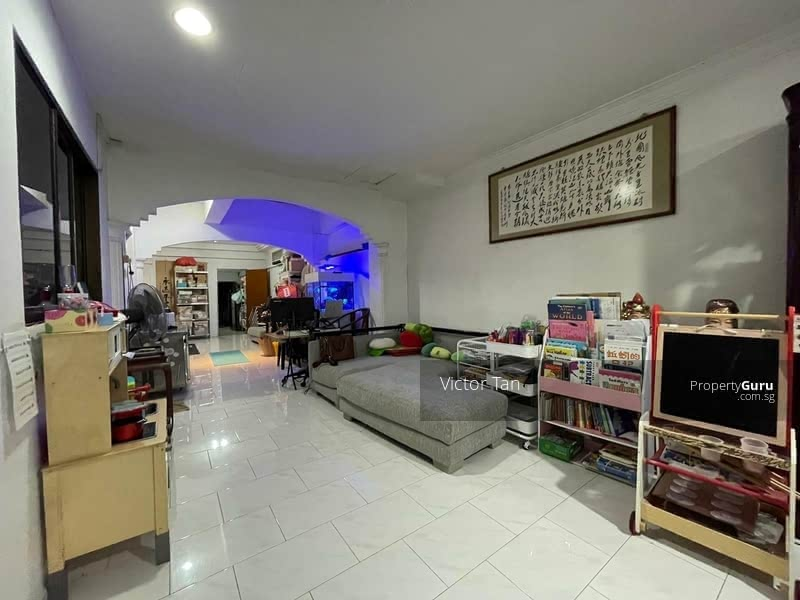 Rare Freehold Terrace with Close Proximity to MRT #128774216