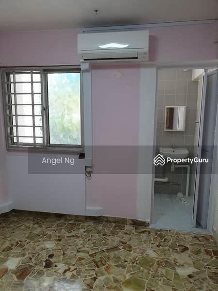 246 Hougang Street 22 #129213684