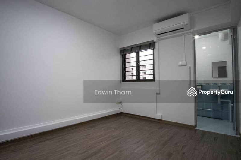 214 Jurong East Street 21 #128813728