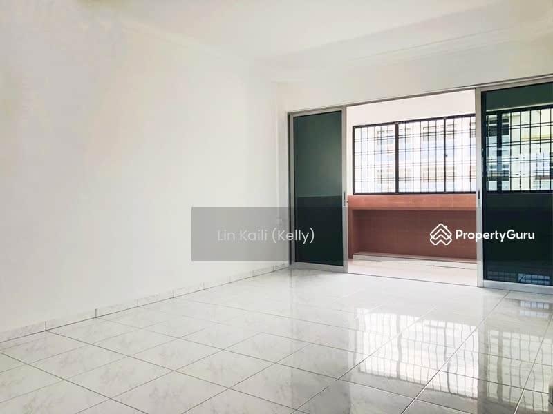 811 Jurong West Street 81 #128851016