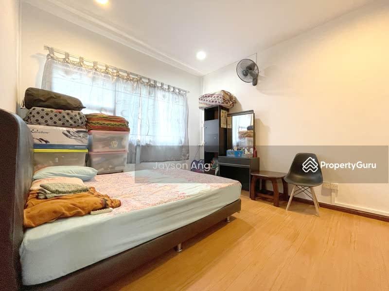 288C Jurong East Street 21 #128853130