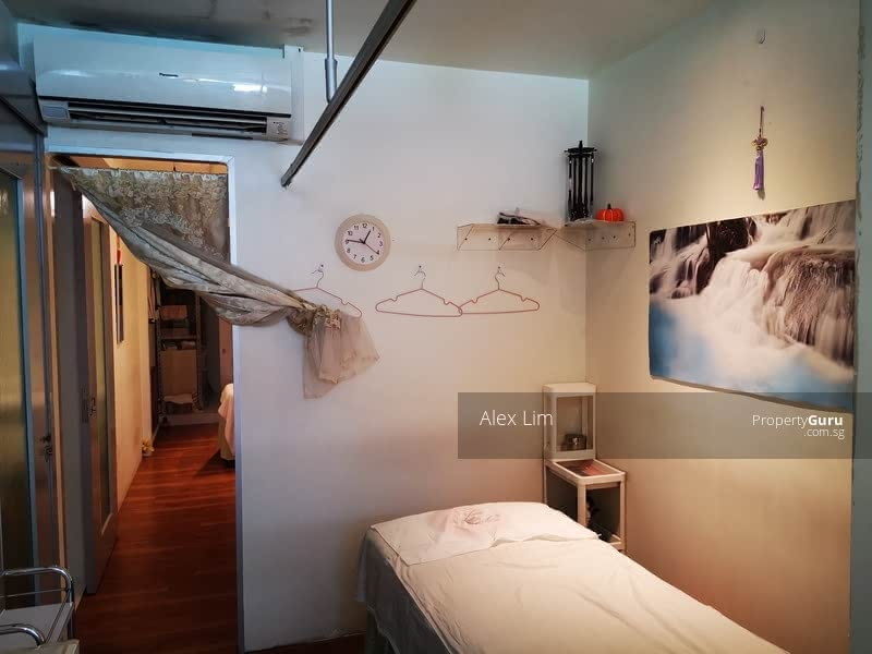 135 Jurong East Street 13 #128854096