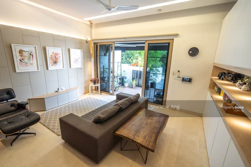 Large bright and spacious living area