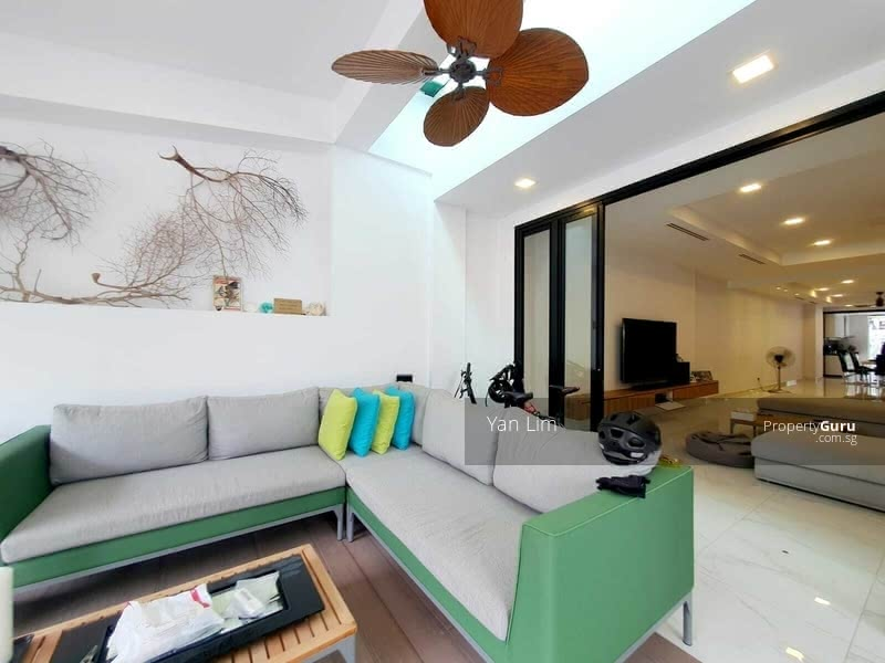 Immaculate Inter Terrace @ Jalan Melor #128902752
