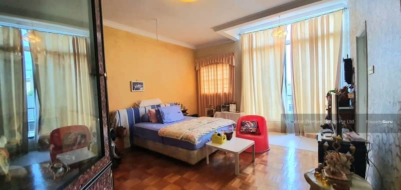 Kembangan 3 storey Corner Terrace only $3.xM! Garden and mins walk to Eunos MRT! #129064022