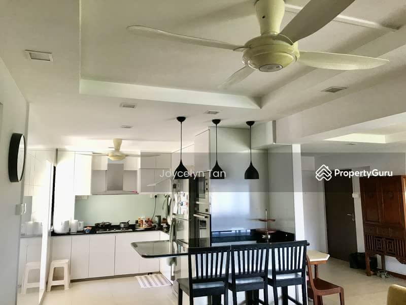 Breakfast Counter/ Kitchen