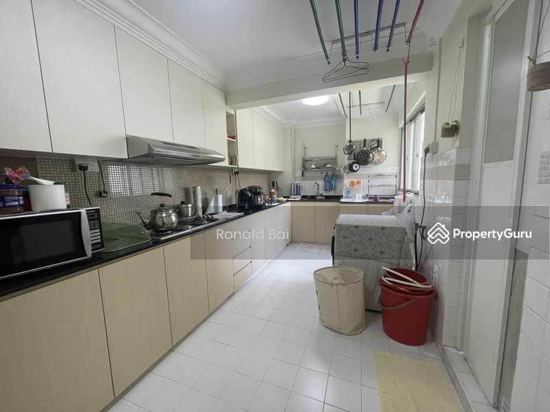 523 Jurong West Street 52 #129193718