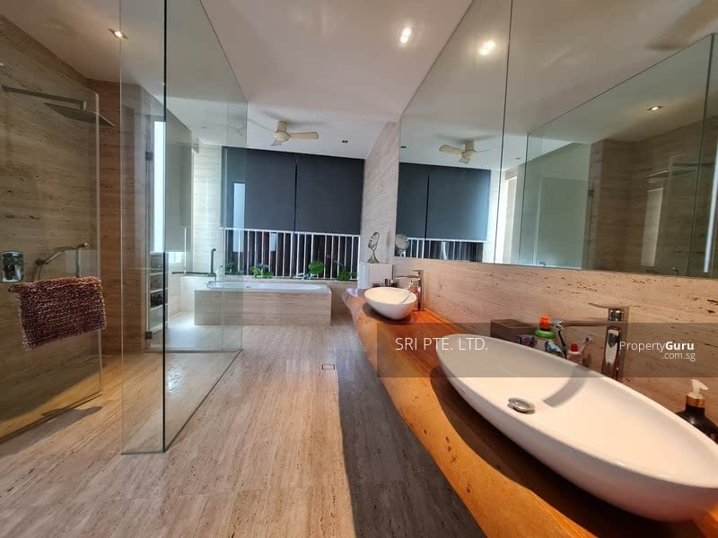 Bungalow off Orchard Road 乌节路旁的洋房 #129195156