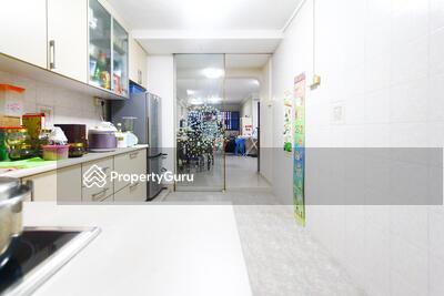 For Sale - 218 Serangoon Avenue 4
