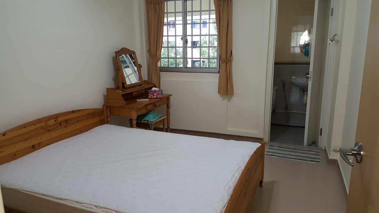 242 Serangoon Avenue 3 #129224108