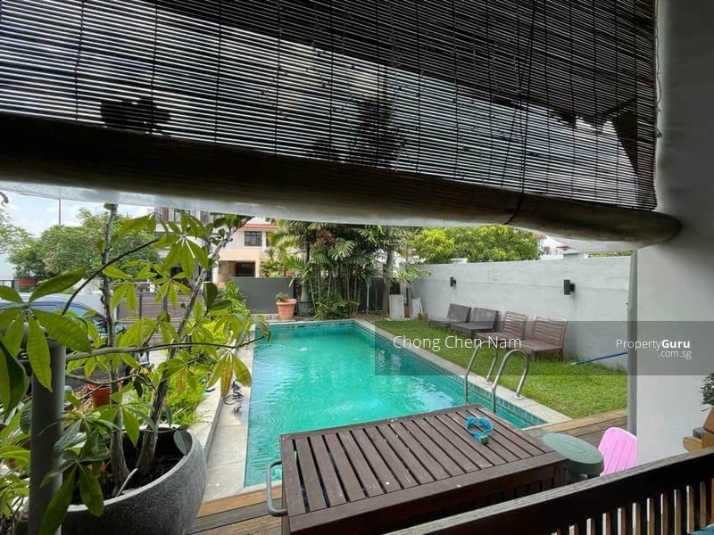 DUAL ENTRANCE (FRONT-BACK) SEMI-D WITH POOL. NORTH-SOUTH FACING. FREEHOLD KEW PLACE ESTATE. NEAR MRT #129262226