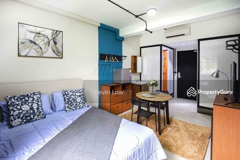 Master Bedroom in Co-living Serviced Apartment Near Botanic Gardens MRT Station #129278582