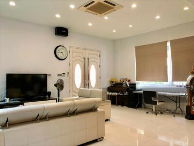 For Sale - Detached House At Brighton Avenue