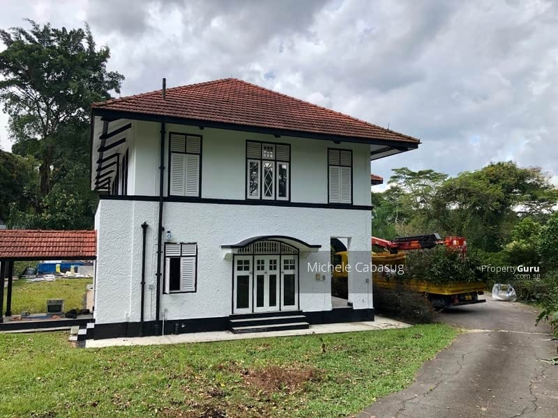 Rarely available Black and White Bungalow #129285354