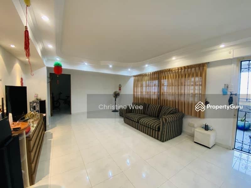 648 Ang Mo Kio Avenue 5 #129297992