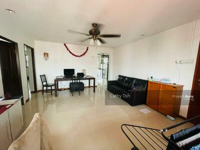 For Sale - 352 Hougang Avenue 7